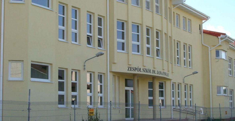 Zespół Szkół w Łochowie
